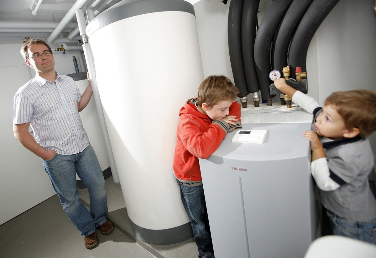 Heat Pumps or Electric Heaters: Which One is Better?